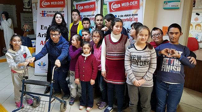 MEB-DER Akyazı'da Özel Çocuklara Eğitim Verdi