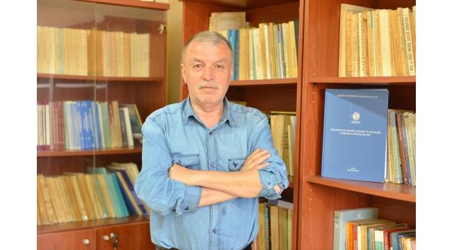 Doç. Dr. İkiel'in 'Sakarya'nın Coğrafi Özellikleri' Konulu Kitabı Çıktı